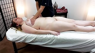 Thick 18 Pedigree Old Alice Heart Gets A Massage