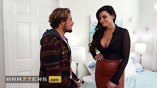 Sexy MILF Becky Bandini enjoys a spot on target massage a enduring fuck
