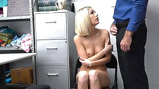 ShopLyfter - Klepto Teen Gets Facial From Security