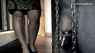 Dominatrix Thistledown April - Slave Locked up