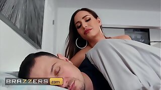 Gorgeous Wife (Desiree Dulce) Pounded By A Big Dick - Brazzers