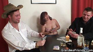 Hot grandma in stockings gets double nadir thoroughly