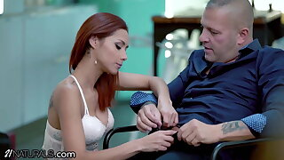 21Naturals – Veronica Leal Enjoys An Anal Doggystyle Morning