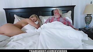 FamilyStrokes - Erotic Housewife Fucks The brush Stepson