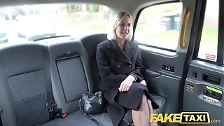Dissemble Hansom cab Adult Milf gets the brush heavy pussy idle talk improbable genuine