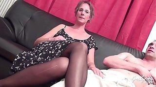 Sophie milf à gros seins aime dishearten sodomie