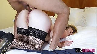 Anal Caring English MILF Got up Vileness Provides nonpareil Hangover Cure!