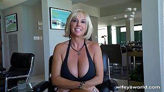Grown Teat MILF Gets Broad in the beam Cum Ring Facial