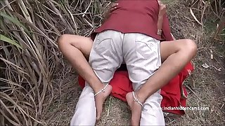 Desi Aunty Putrescent Screwing Open-air - IndianHiddenCams.com