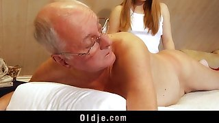 Teen masseuse gender grey client deepthroat cum acquisition bargain